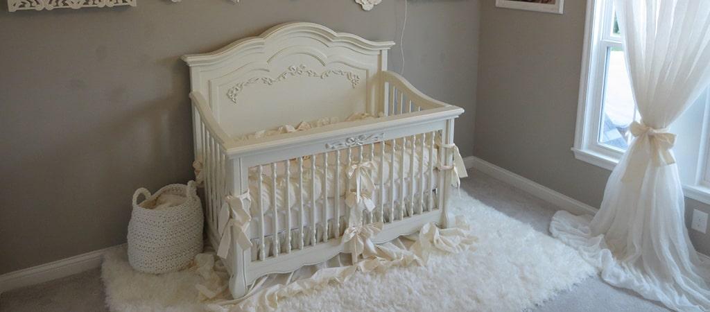 Evolur Aurora Crib Kristen Rebecca Zollar